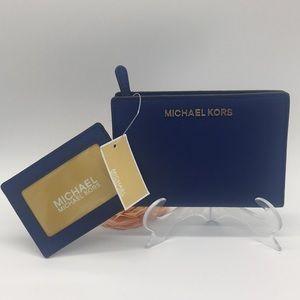 Michael Kors Jet Set Travel MD Card CSE Carryall